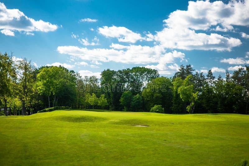 Paisagem do campo de golfe imagens de stock