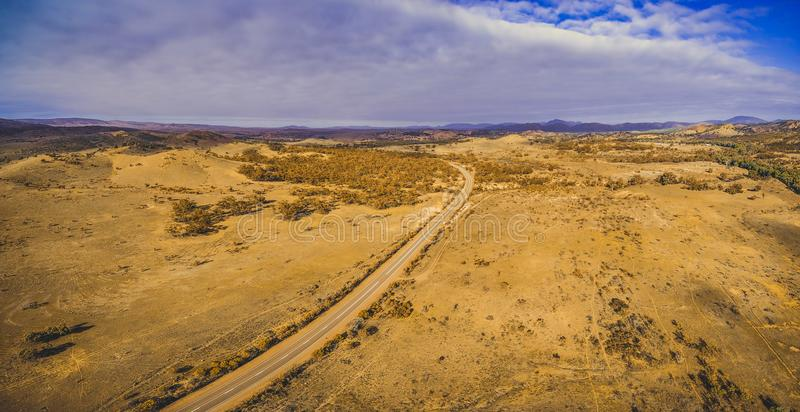 A paisagem do Flinders varia maneira - estrada rural imagem de stock