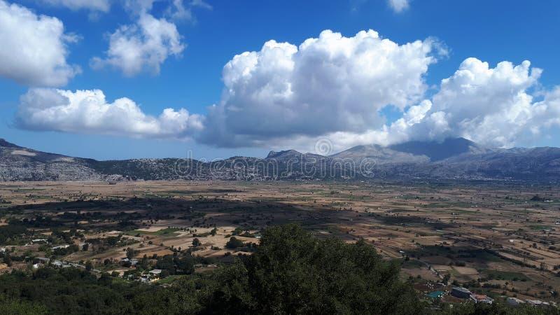 Paisagem do fundo do platô de Lassithi, Creta, Grécia fotos de stock