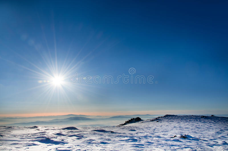 Paisagem do inverno com espaço da cópia foto de stock royalty free