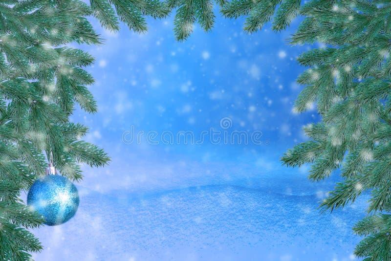 Paisagem do inverno com neve Fundo do Natal com ramo do abeto e bola do Natal Feliz Natal e ano novo feliz Ca de cumprimento imagem de stock