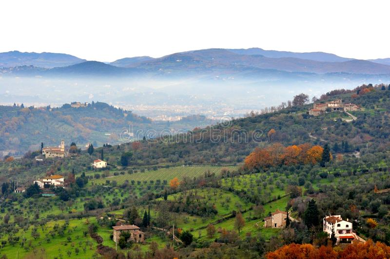 Paisagem do inverno de Toscânia rural, Italia foto de stock