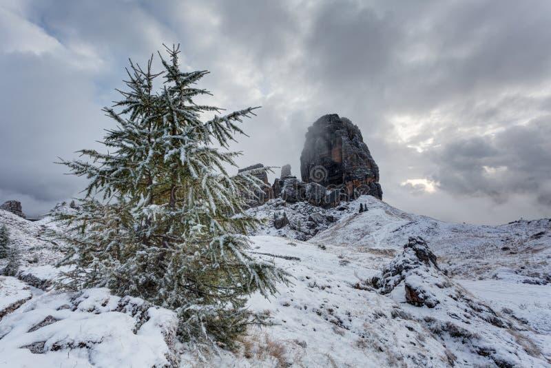 Paisagem do inverno nas dolomites fotografia de stock royalty free