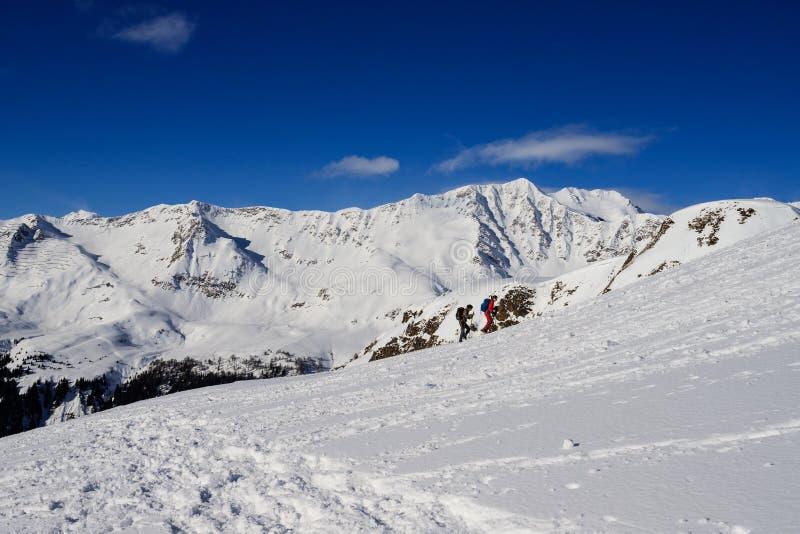 Paisagem do inverno nos cumes de Lepontine imagem de stock royalty free