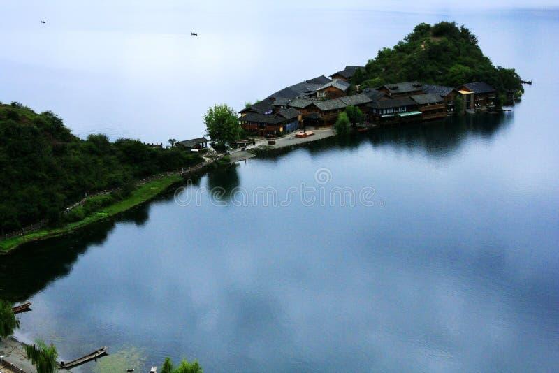 Paisagem do lago Lugu imagens de stock royalty free