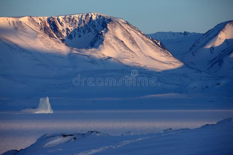 Paisagem do leste do inverno de Greenland imagens de stock royalty free