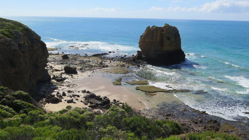 Paisagem do mar com rochas imagem de stock