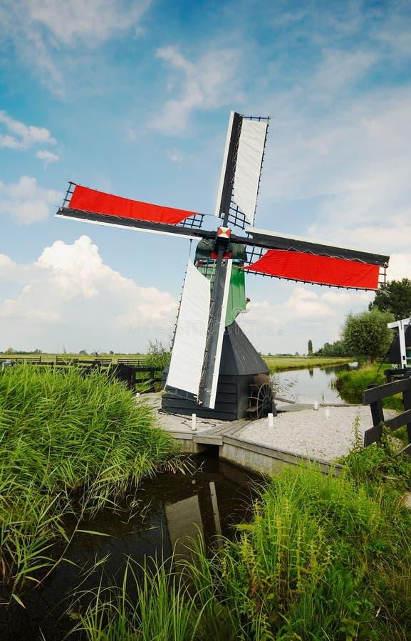 Paisagem do moinho de vento imagens de stock