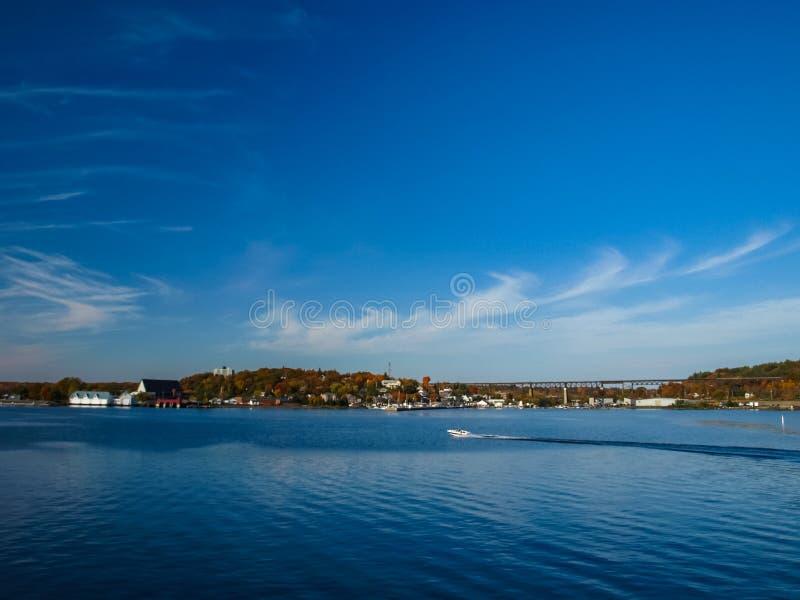Paisagem do outono no Lago Huron fotos de stock