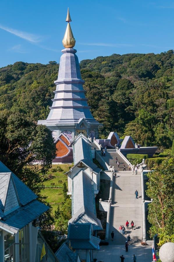 Paisagem do pagode de Phramahathat Napaphol Bhumisiri em Doi Inthanon Chiangmai foto de stock