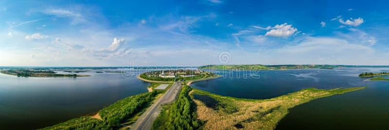 Paisagem do panorama da cidade de Sviyazhsk, Rússia imagem de stock royalty free