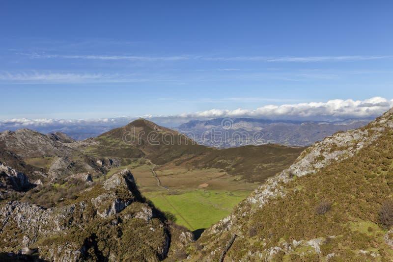 Paisagem do parque nacional de Picos de Europa foto de stock royalty free