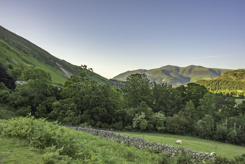 Paisagem do parque nacional do distrito do lago, Cumbria, Reino Unido, primavera de 2017 imagens de stock royalty free