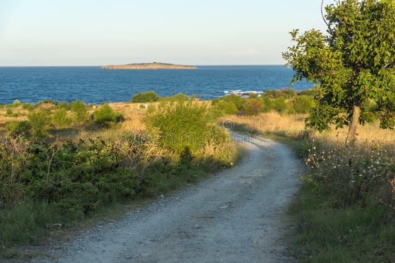 Paisagem do por do sol do litoral de Chernomorets, região de Burgas, Bulgária fotografia de stock royalty free