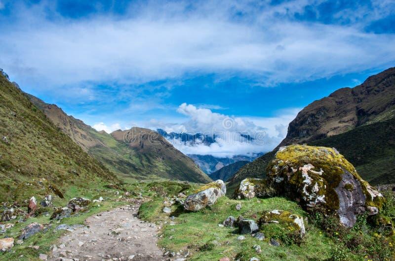 Paisagem em Andes Salkantay que Trekking, Peru fotos de stock