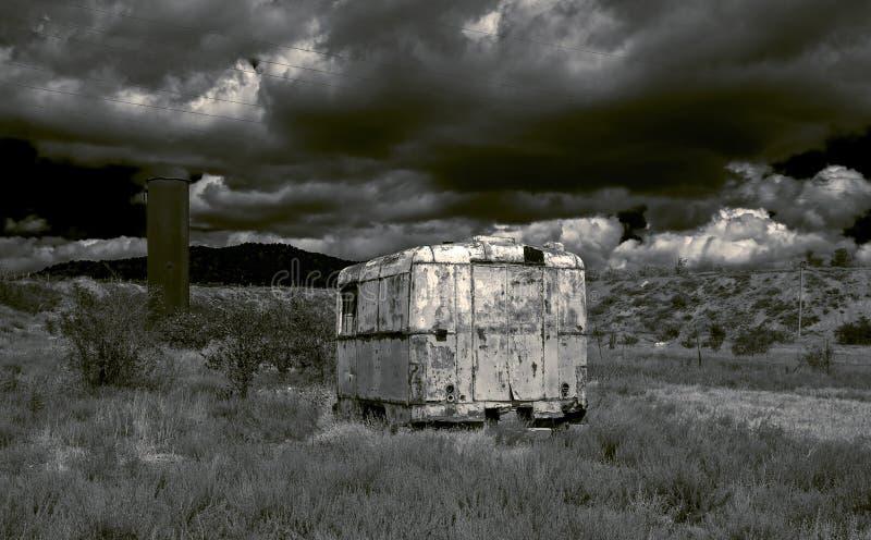 Paisagem em um estilo cargo-apocalíptico. fotografia de stock