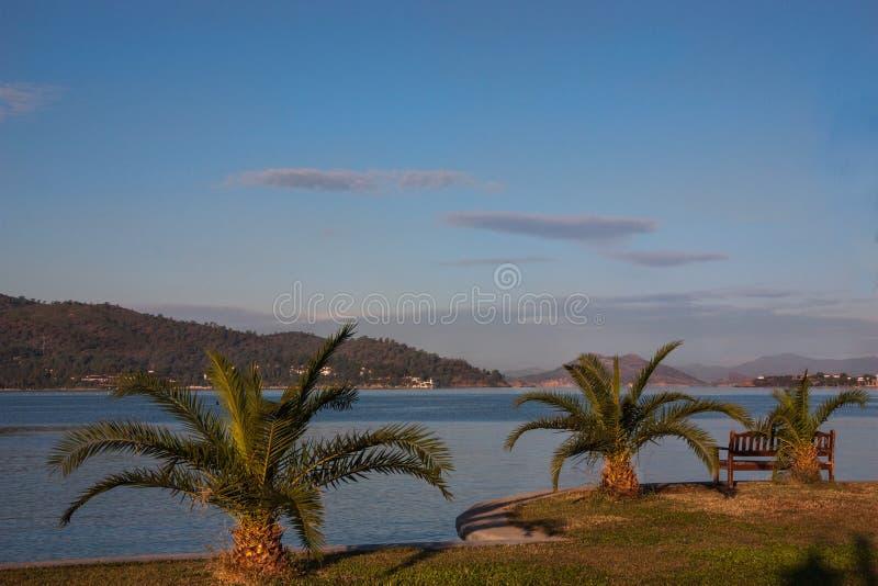 Paisagem em um sol macio da manhã no Mar Egeu imagem de stock royalty free