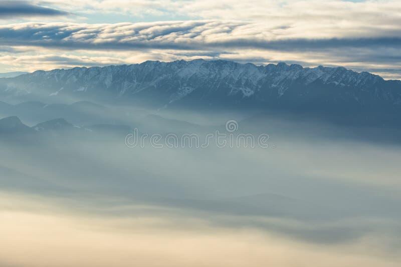 Paisagem excitante das montanhas fotografia de stock