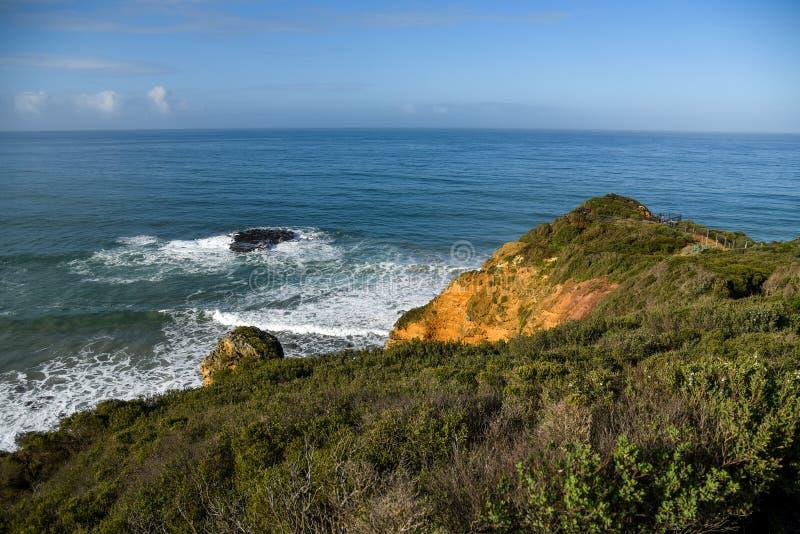 Paisagem litoral na entrada de Aireys imagem de stock