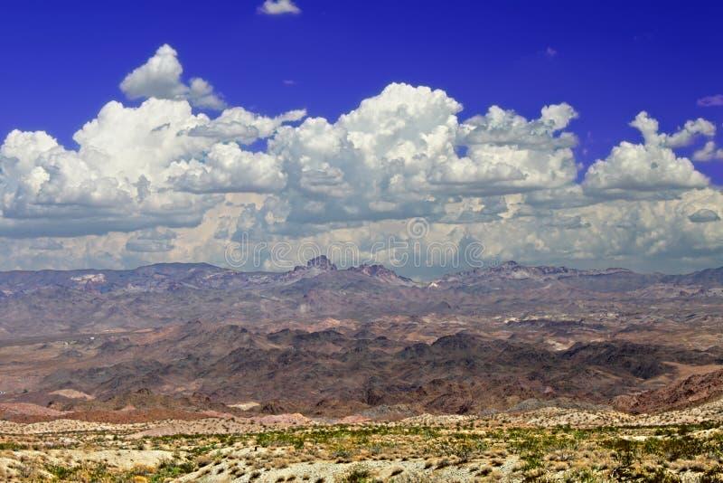 Paisagem montanhosa do deserto do Estados Unidos fotografia de stock