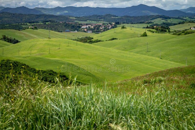 Paisagem montanhosa do italiano Tuscan Campo italiano imagem de stock royalty free
