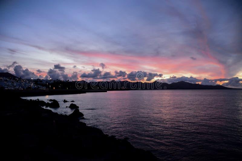Paisagem na Espanha vulcânica tropical das Ilhas Canárias foto de stock