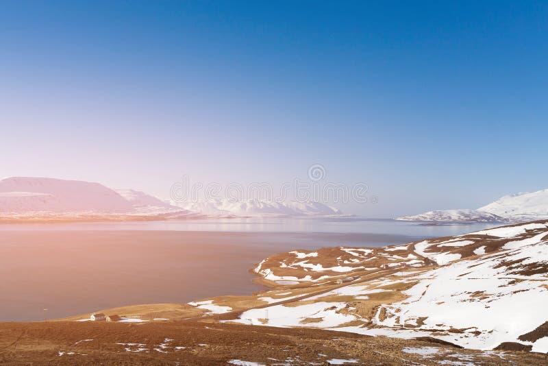 Paisagem natural da estação do inverno de Islândia imagens de stock royalty free