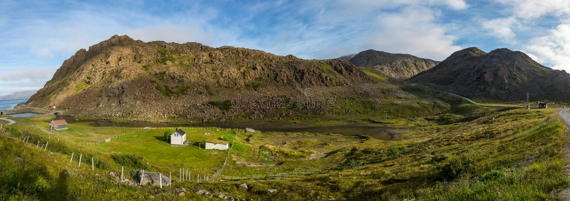 Paisagem norte de Noruega perto de Honningsvag fotografia de stock royalty free