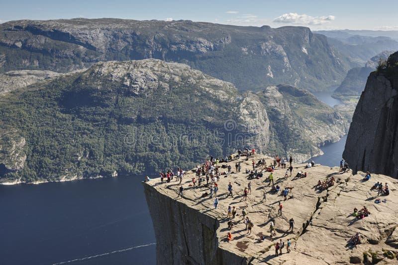 Paisagem norueguesa do fjord Área de Preikestolen La do marco de Noruega fotos de stock