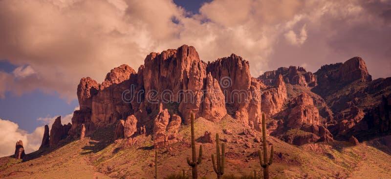 Paisagem ocidental selvagem do deserto do Arizona fotografia de stock