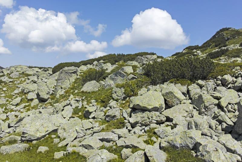 Paisagem perto de The Scary strashnoto Lake, Rila Mountain, Bulgária imagem de stock royalty free