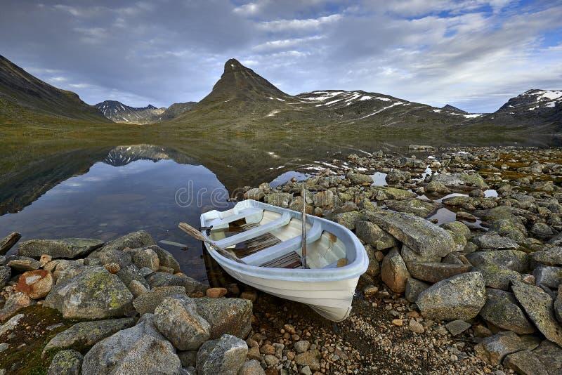 Paisagem pitoresca da montanha de Noruega Jotunheimen imagens de stock