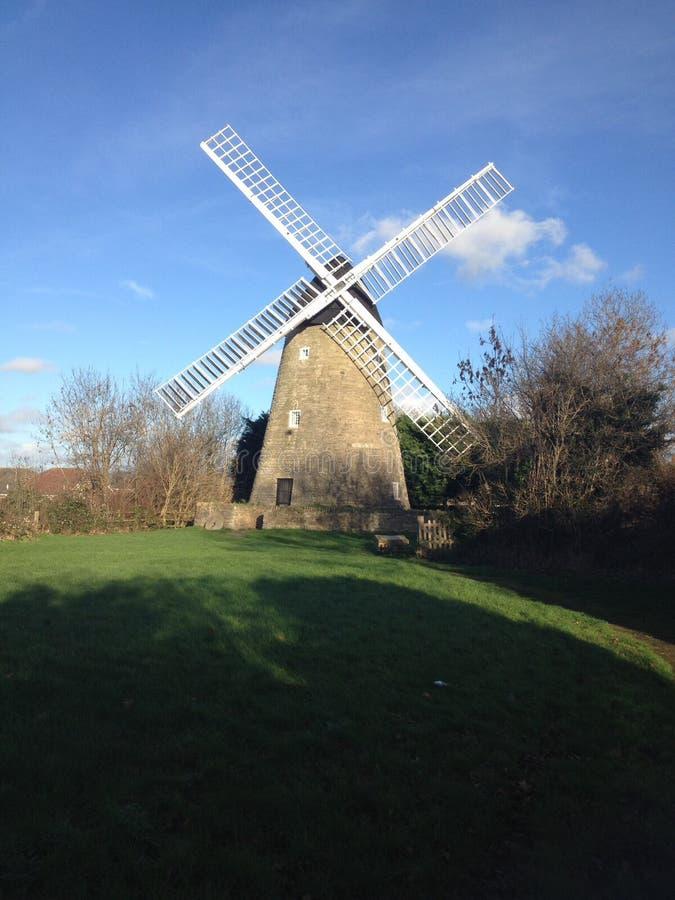 Paisagem rural do moinho de vento fotos de stock royalty free