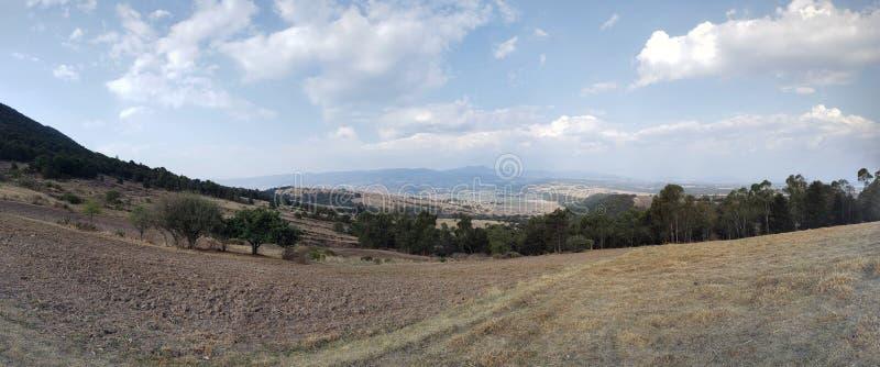 paisagem rural em Ixtlahuaca, México em um dia ensolarado fotografia de stock