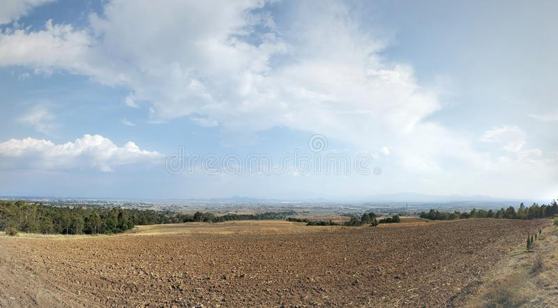 paisagem rural em Ixtlahuaca, México em um dia ensolarado imagem de stock royalty free
