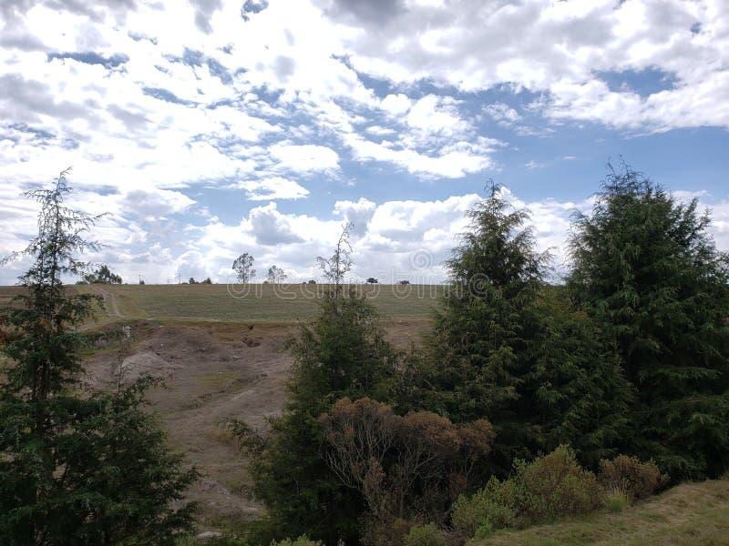 paisagem rural em Ixtlahuaca, México em um dia ensolarado fotografia de stock royalty free
