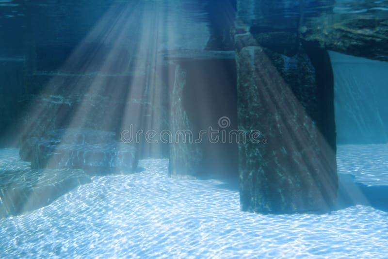 Paisagem subaquática com rochas imagens de stock royalty free