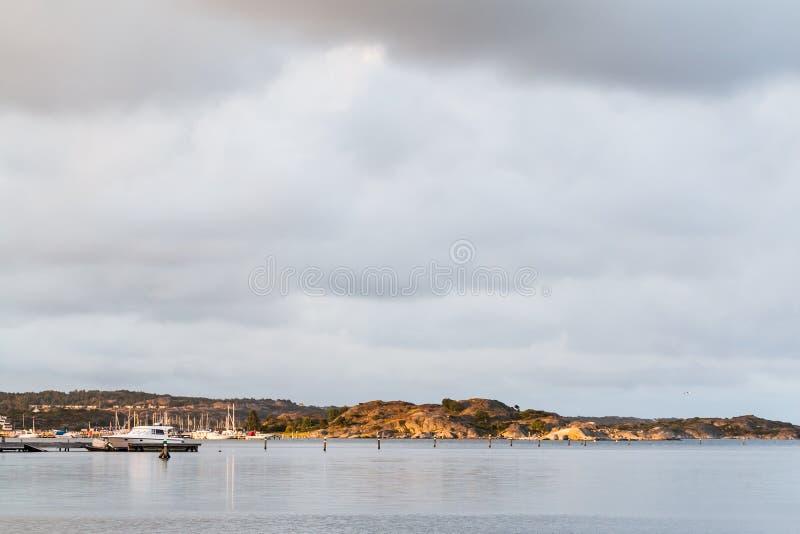 Paisagem sueco da costa oeste ao sul de Gothenburg imagens de stock