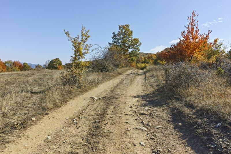 Paisagem surpreendente do outono da montanha de Cherna Gora Monte Negro, Bulg?ria fotos de stock royalty free