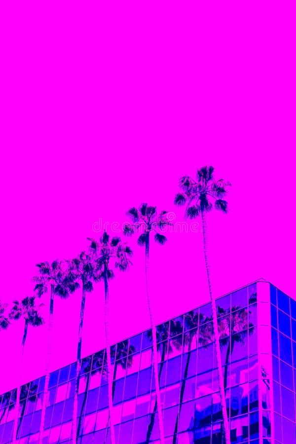 Paisagem tropical Inclina??o na moda de cores azuis, roxas e cor-de-rosa fotografia de stock royalty free