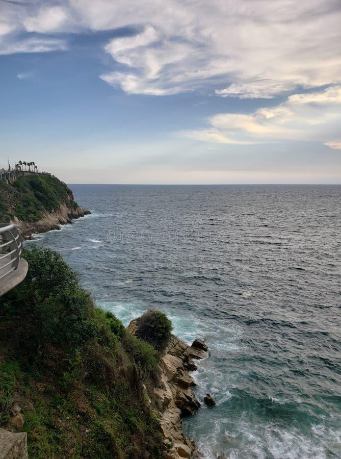 paisagem tropical na área tradicional de Acapulco, México imagem de stock royalty free