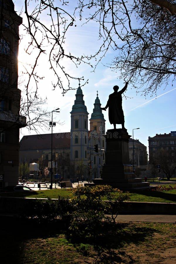 Paisagem urbana com monumentos e construções fotos de stock royalty free