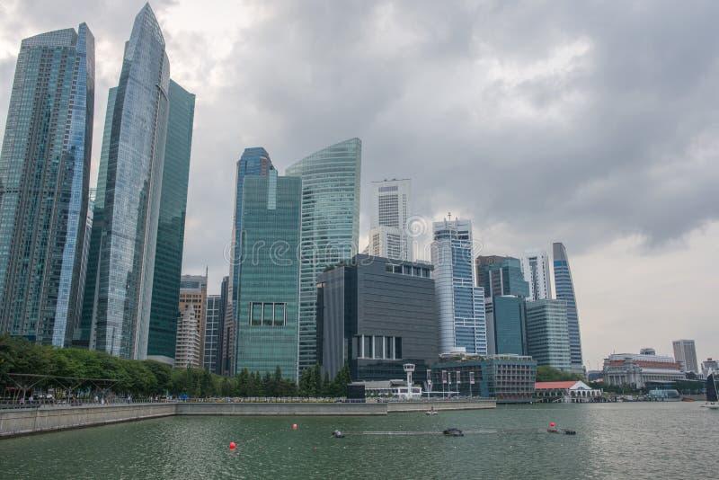 Paisagem urbana da skyline de Singapura Distrito financeiro cityscape imagens de stock