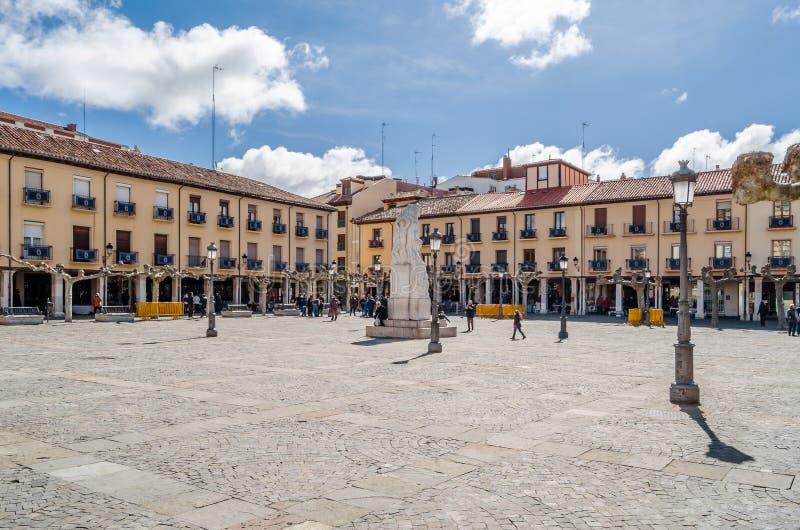 Paisagem urbana, quadrado principal de Palencia, Espanha fotografia de stock royalty free