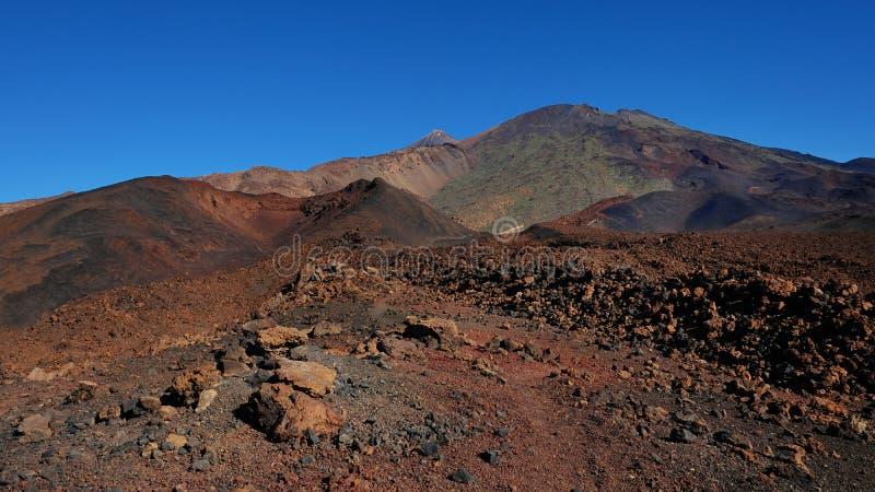 Paisagem vulcânica com lava Aa na caminhada de Montana Samara, um do mais incomuns estrangeiro-como o ambiente encontrado na pari foto de stock