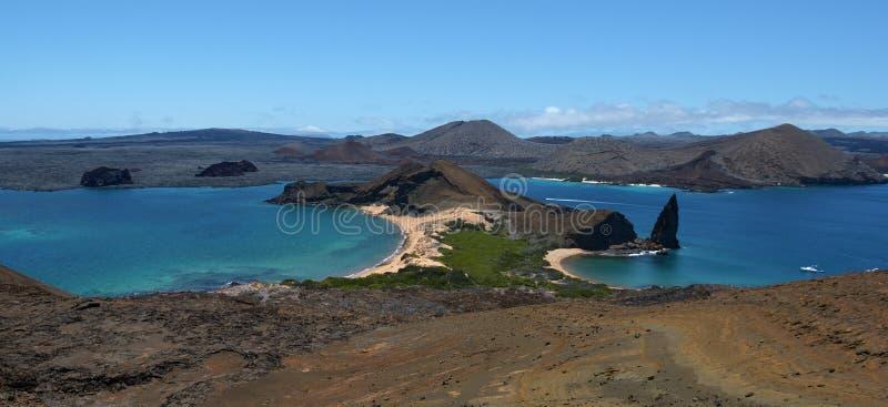 Paisagem vulcânica 7 do panorama de Galápagos imagens de stock royalty free