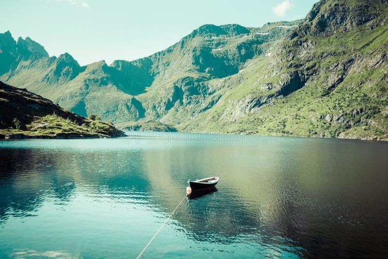 Paisagens nortes de Noruega, Escandinávia. fotografia de stock