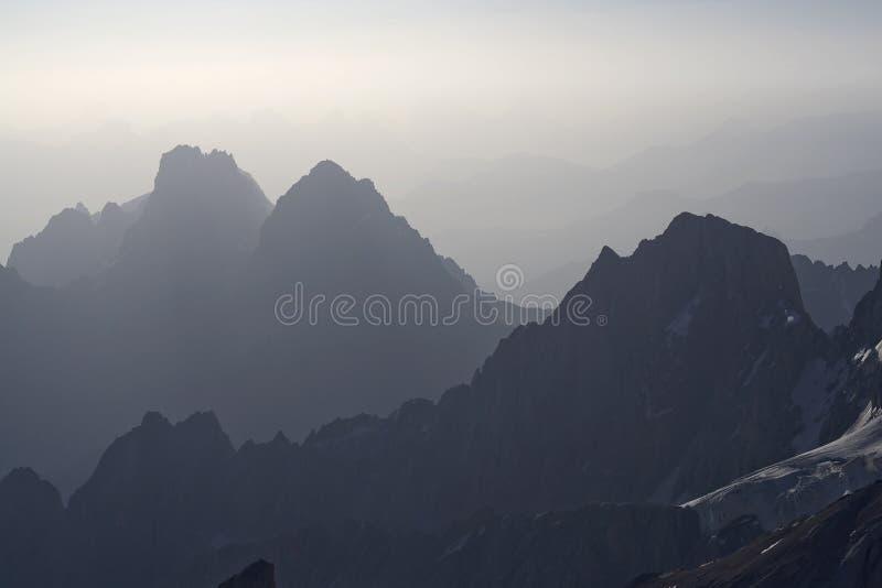 Paisaje 02 de la montaña imagen de archivo libre de regalías