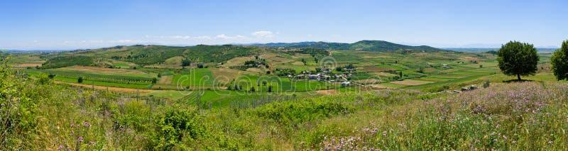 Paisaje albanés en las colinas fotografía de archivo libre de regalías
