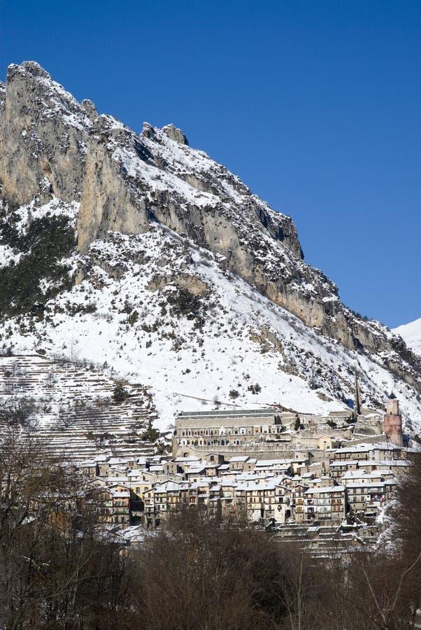 Paisaje alpino del invierno foto de archivo